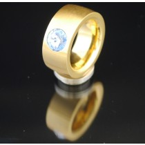 11mm PVD Gold Edelstahlring mit Swarovski Elements Fb. Light Sapphire