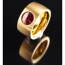 14mm PVD Gold Edelstahlring mit Swarovski Elements Fb. Red magma