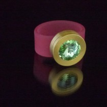 Silikonringe rose-rot matt Kopf Fb.gold + Swarovski Elements Peridot