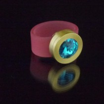 Silikonringe rose-rot matt Kopf Fb.gold + Swarovski Elements blue Zircon