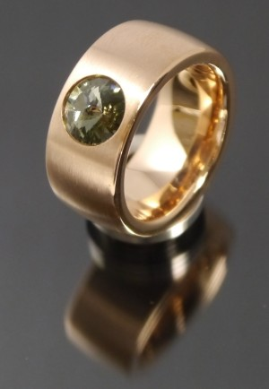 11mm PVD Rosé Gold Edelstahl Ring mit Swarovski Elements Fb. Black Diamond